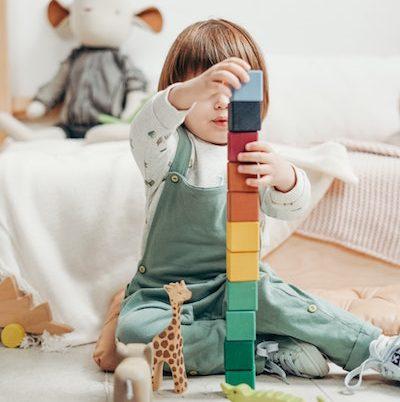 Kako otrok gradi svoj mir